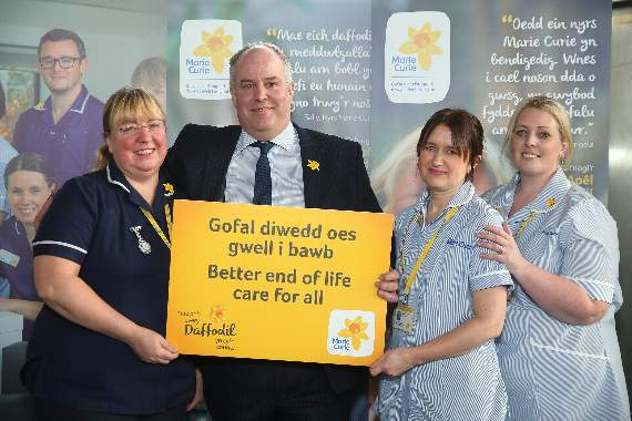 Make every daffodil count for Marie Curie