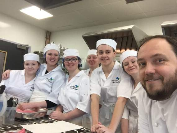 Top chefs return  to the classroom